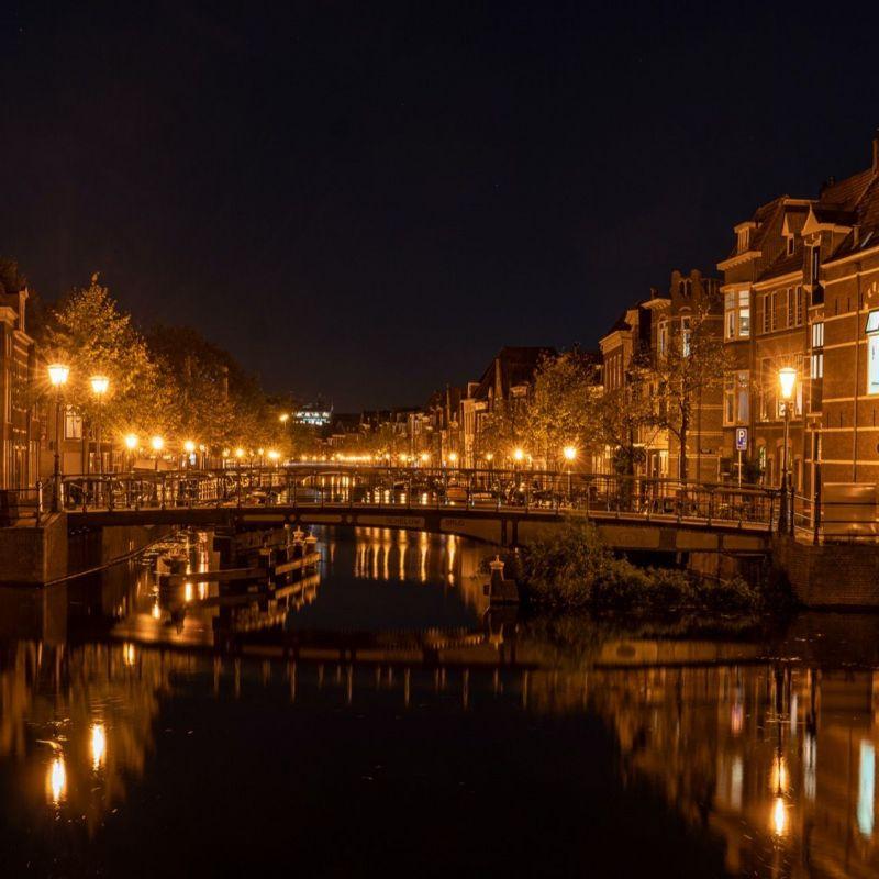 <strong>Leiden</strong><br><p>Herengracht - Oude Rijn</p>
