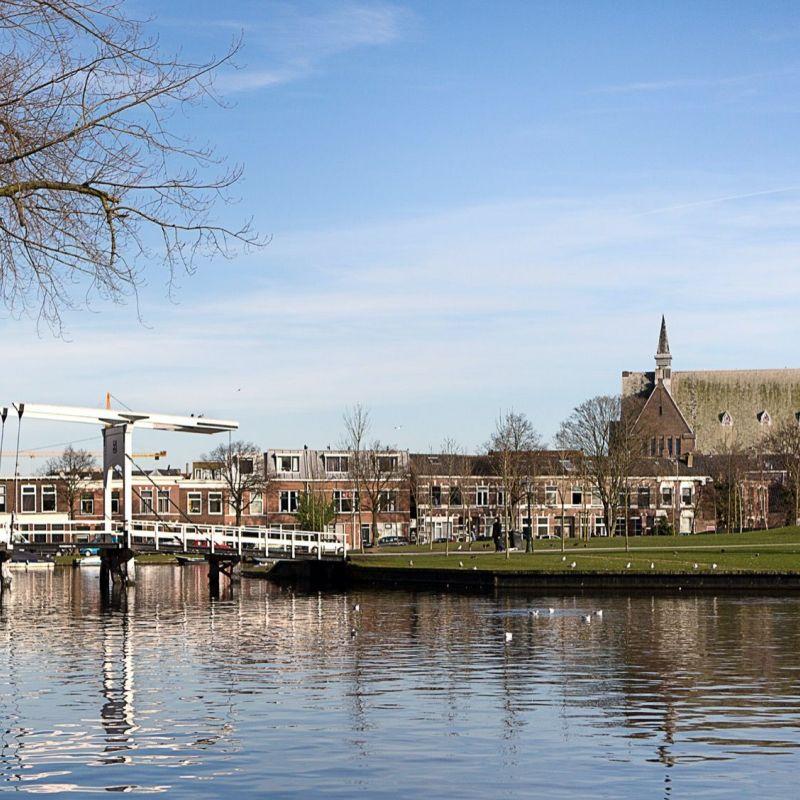 <strong>Leiden</strong><br><p>Huigpark</p>