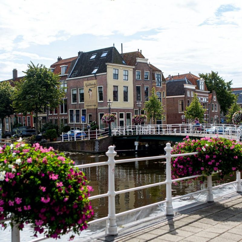 <strong>Leiden</strong><br><p>Haven- Herengracht</p>